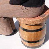 ワインの樽で作ったスツールです。