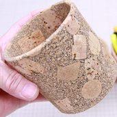 リサイクルコルクで作った丸いペン立て