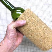コルクで作った、1本用ワインクーラーです。