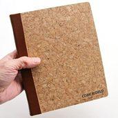 コルクのルーズリーフのノートです。