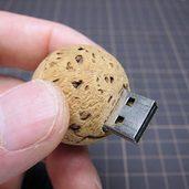 コルク球で作ったUSBメモリケース