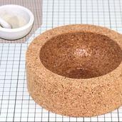 コルクで作った乳鉢の敷き台です。
