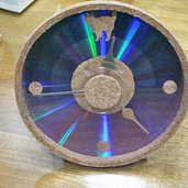 CDとコルクで時計作りました。
