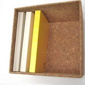 コルクシートで作った日記帳の収納箱